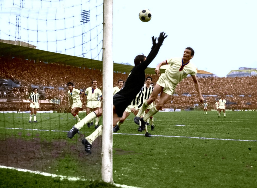 Juventus-Cagliari 2-2: la rete di Riva