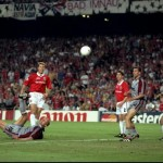 Carsten Jancker of Bayern Munich hits the Manchester United crossbar