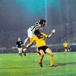 Aek Atene – Juventus 0-1, ritorno semifinale Coppa Uefa, Bettega colpisce di testa in area ellenica