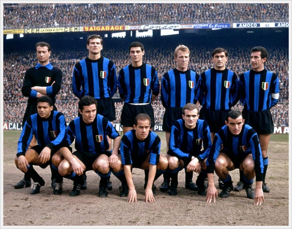 Inter 1963: Sarti, Facchetti, Guarnieri, Tagnin, Burgnich, Picchi; Jair, Petroni, Suarez, Mazzola, Corso