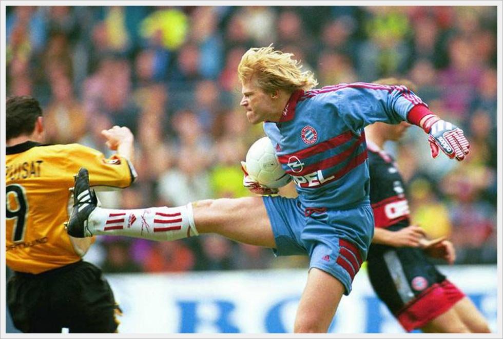 "3 aprile 1999, Borussia Dortmund-Bayern 2-2. Kahn in uscita ""leggermente"" spericolata su Chapuisat"