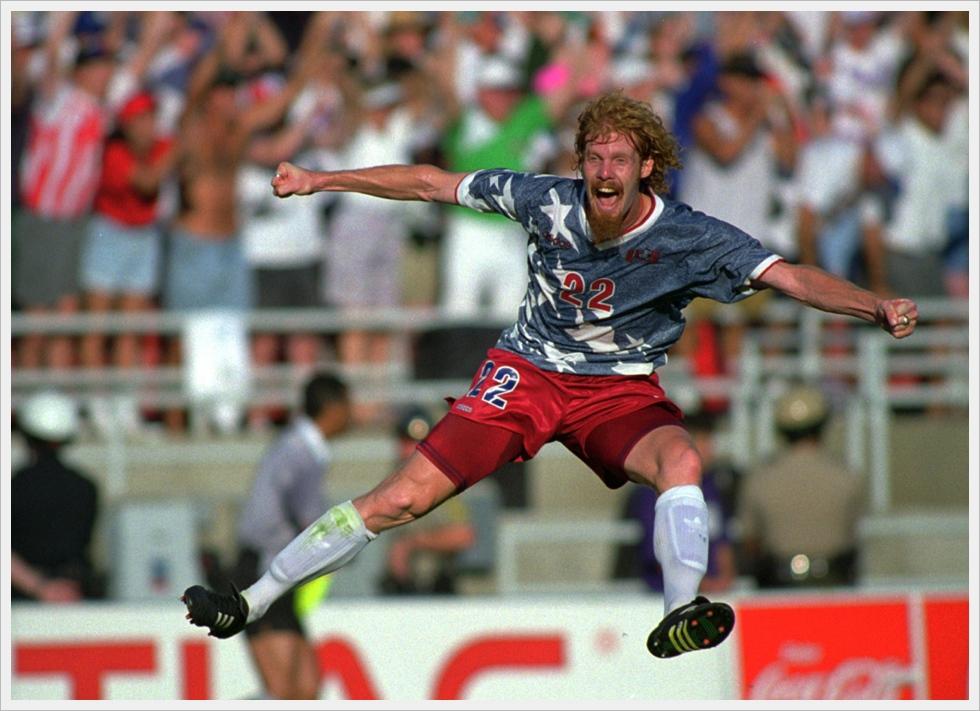 USA 1994: l'esultanza di Alexi Lalas nel match contro la Colombia