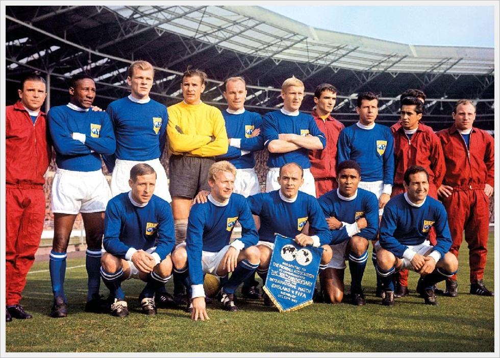Wembley, 1963: la selezione del Resto del Mondo allestita per il centenario della Football Association