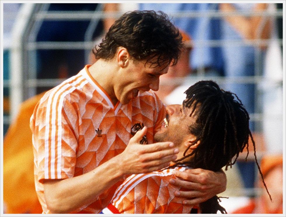 Giugno 1988: Marco Van Basten e Ruud Gullit sul trono d'Europa