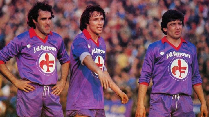 Fiorentina_1981-82_-_Antonello_Cuccureddu,_Daniel_Bertoni_ed_Eraldo_Pecci