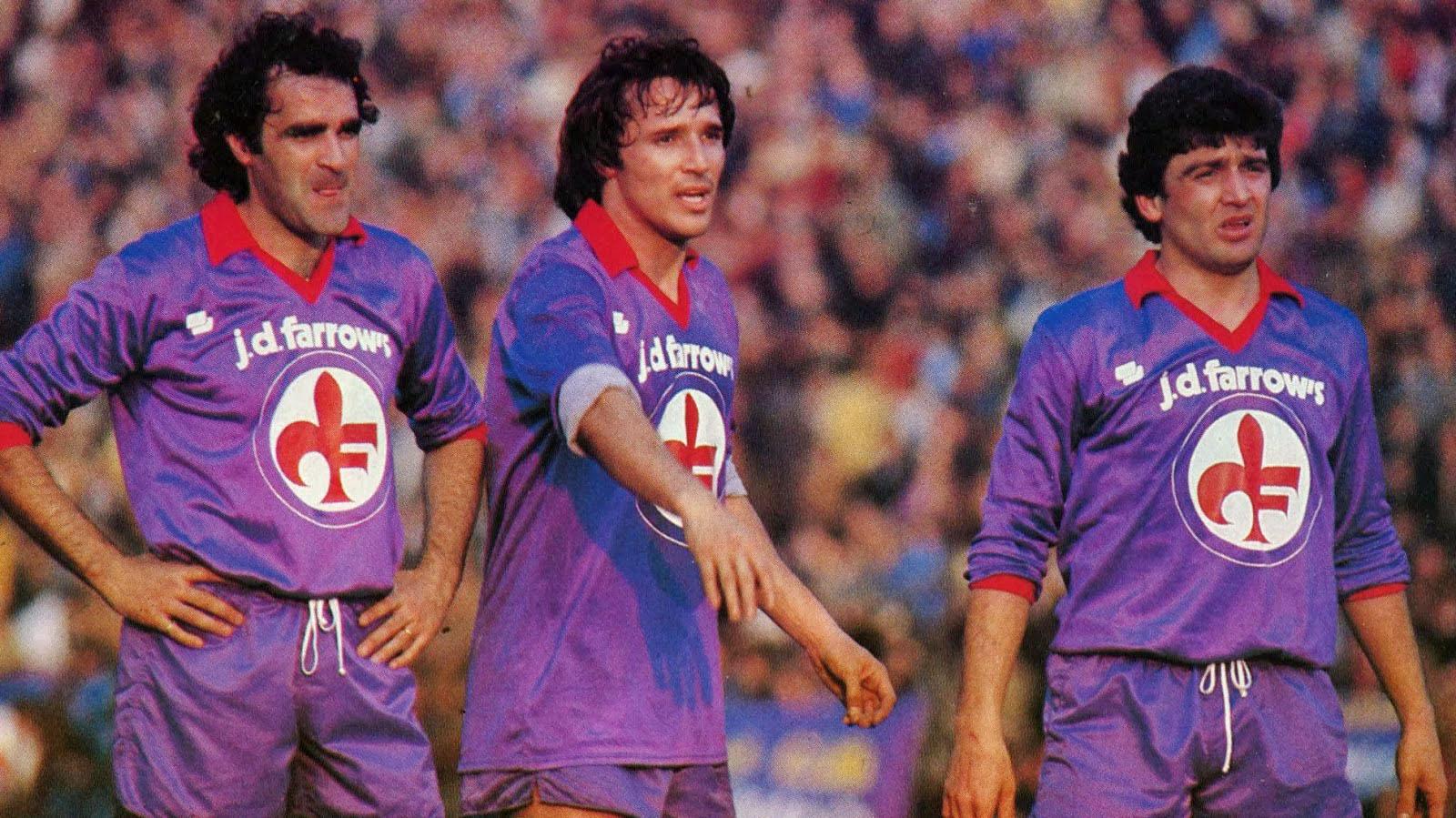Fiorentina_1981-82_-_Antonello_Cuccureddu_Daniel_Bertoni_ed_Eraldo_Pecci.jpg
