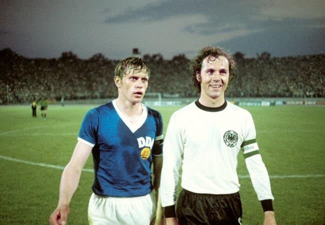 Germania Est-Germania Ovest 1-0; a fine gara escono Bransch e Beckenbauer