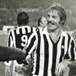 Juventus – Manchester United 3-0, ritorno sedicesimi Coppa Uefa 1976-77, Benetti festeggiato a fine gara