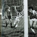 Juventus – Manchester United 3-0, ritorno sedicesimi Coppa Uefa 1976-77, Boninsegna e Bettega esultano dopo il secondo goal del centravanti