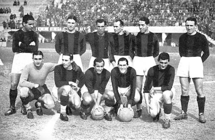 """Il Bologna """"uruguaiano"""" del 1938/39: In piedi: Fedullo, Maini, Sansone, Biavati, Pagotto, Corsi. A sedere: Ferrari P., Reguzzoni, Andreolo, Puricelli, Ricci"""
