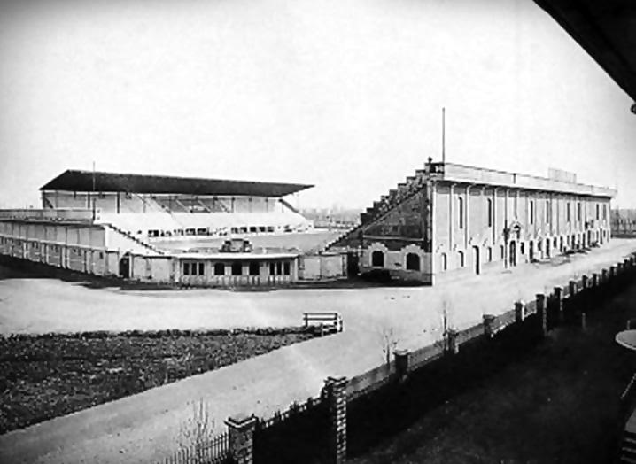 Un'immagine dello stadio di San Siro prima dell'inaugurazione