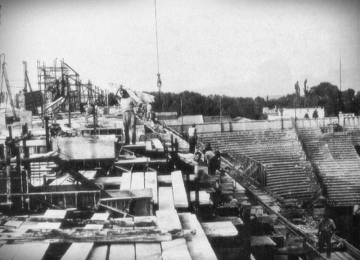 La costruzione del secondo anello di San Siro, 1954