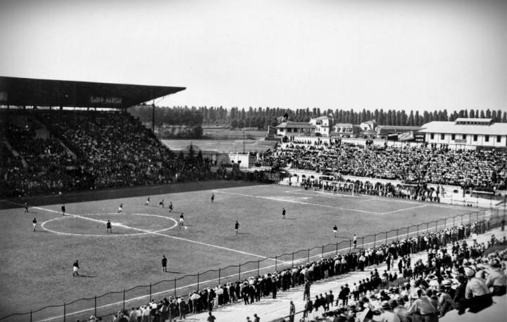 Lo stadio di San Siro a fine anni '20 - Immagine cortesemente fornita dalla collezione privata di Giuseppe Coppolino