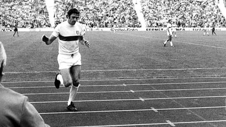 """1974 – Biagi: """"Azzurro scuro, quasi tenebra"""""""