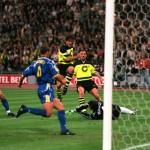 Football. UEFA Champions League Final. Munich, Germany. 28th May 1997. Borussia Dortmund 3 v Juventus 1. Borussia Dortmund's Karlheinz Riedle (centre) scores his side's first goal.