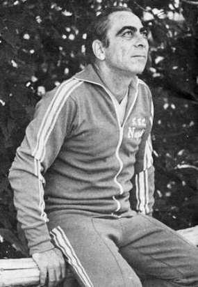 Pesaola, Napoli 1976-77