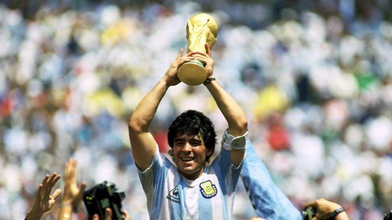MARADONA Diego Armando  L anima fragile del Dio del calcio – Storie ... 8e32fe009af0d