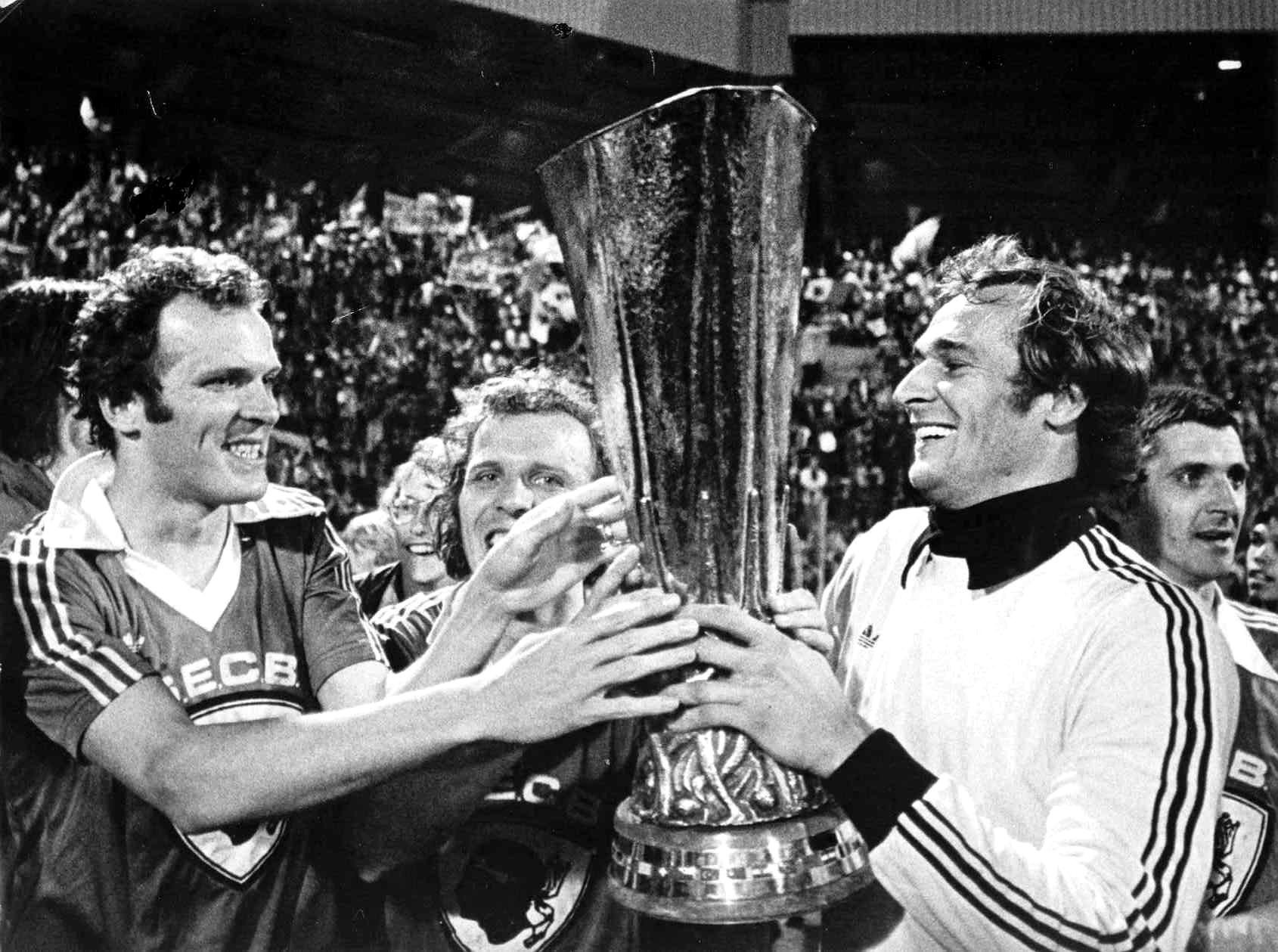 psv-uefa-77-78-wp