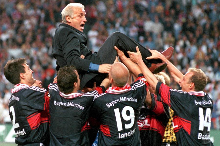 Bayern-schenken-Trapattoni-DFB-Pokalfinale-zum-Abschied