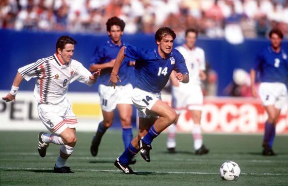 1994 World Cup Finals. New Jersey, USA. 23rd June, 1994. Italy 1 v Norway 0. Italy's Nicola Berti battles for the ball with Norway's Leonhardsen