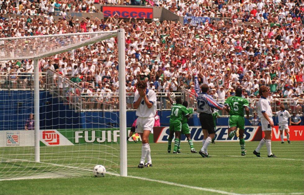 Alessandro Costacurta dopo il gol della Nigeria