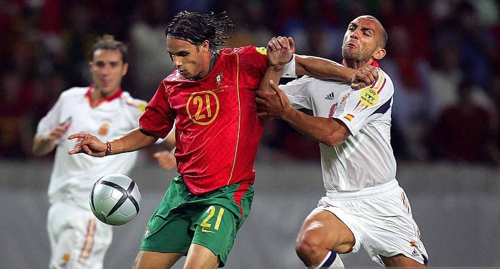 Nuno Gomes e Raul Bravo. Il bomber portoghese deciderà il match
