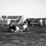 Argentina-Stati Uniti 6-1; il portiere Douglas, intorno a lui McGhee e Stabile