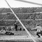 Uruguay-Argentina 4-2; la rete del 2-2 dell uruguagio Cea