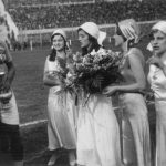 Uruguay-Jugoslavia 6-1; dono di fiori ai capitani Iriarte e Ivkovic