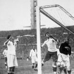 Uruguay-Perù 1-0; Gestido e il portiere peruviano Pardon