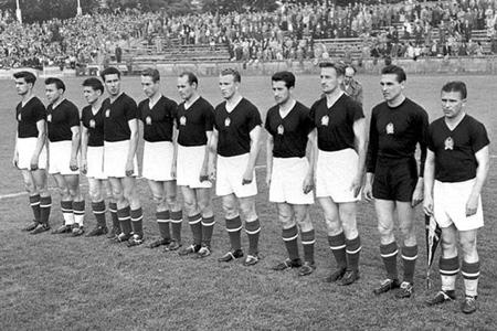 1954-teams-euunns4-ungheria