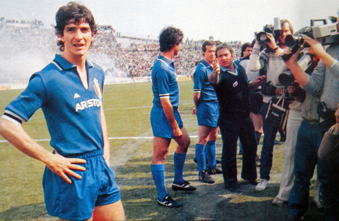 Paolo_Rossi,_Udinese-Juventus,_2_maggio_1982-wp