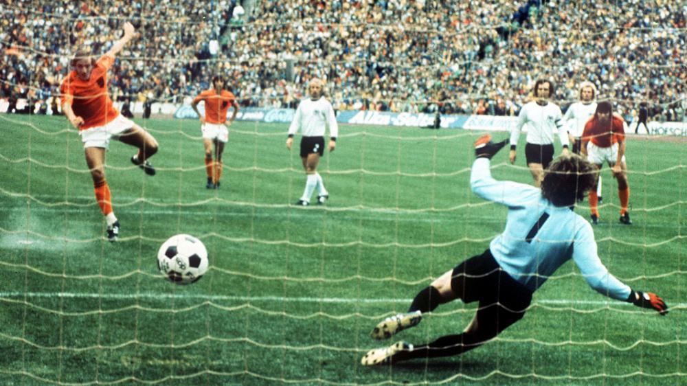 final-1974-neeskens-penalty-wp