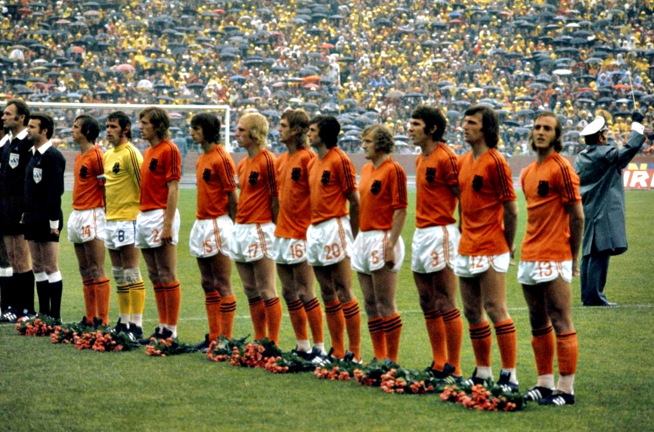 olanda-team-1974-cvmn883kd-wp