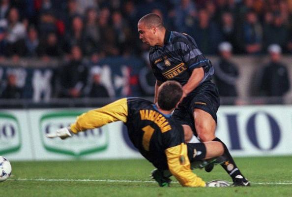 FUSSBALL: UEFA CUP 97/98 FINALE in PARIS, 06.05.1998