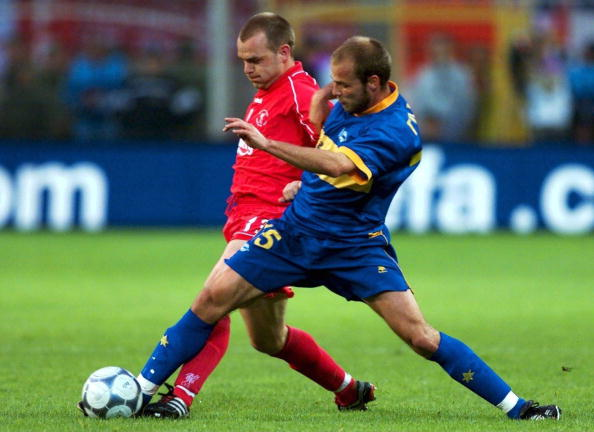FUSSBALL: UEFA POKAL 00/01, FC LIVERPOOL - CD ALAVES 5:4