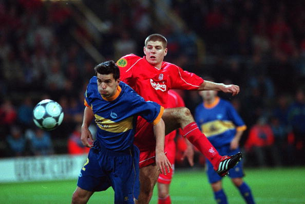 Football. UEFA Cup Final. 16th May 2001. Dortmund, Germany. Liverpool 5 v Deportivo Alaves 4 (on Golden Goal). Alaves defender Cosmin Contra battles for the ball with Liverpool's Steven Gerrard.