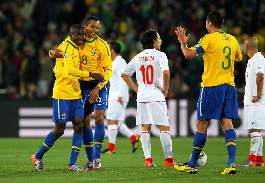 Brazil+v+Chile+2010+FIFA+World+Cup+Round+Sixteen+-Xs1EZyde--x