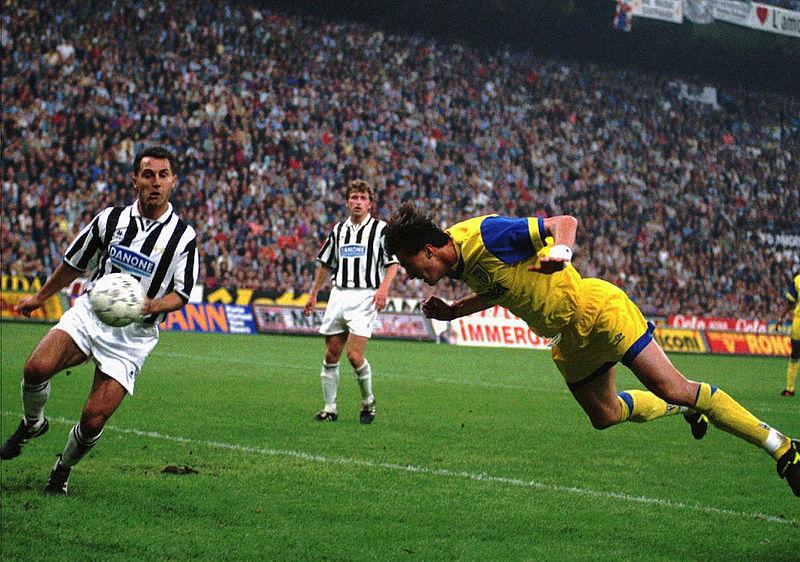 La rete di DIno Baggio nel match di ritorno
