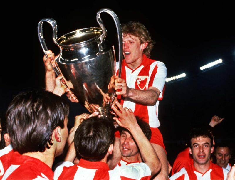Stella_Rossa_-_Coppa_Campioni_1990-91_-_Robert_Prosinečki