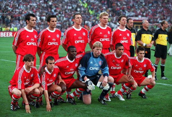 Football. UEFA Champions League Final. Milan, Italy. 23rd May 2001. Bayern Munich 1 v Valencia 1. (Bayern win 5-4 on penalties). The Bayern Munich side pose for a group photograph. Back Row L-R: Wally Sagnol, Hasan Salihamidzic, Patrik Andersson, Stefan E