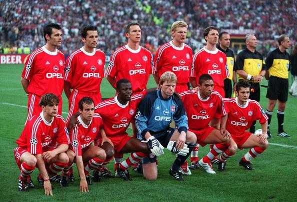 Football. UEFA Champions League Final. Milan, Italy. 23rd May 2001. Bayern Munich 1 v Valencia 1. (Bayern win 5-4 on penalties). The Bayern Munich side pose for a group photograph. Back Row L-R: Wally Sagnol, Hasan Salihamidzic, Patrik Andersson, Stefan E