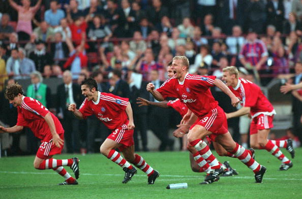 Football. UEFA Champions League. Milan, Italy. 23rd May 2001. Bayern Munich 1 v Valencia 1. (Bayern win 5-4 on penalties). Bayern Munich players L-R: Owen Hargreaves, Bixente Lizarazu and Christian Jancker celebrate their win in the penalty shoot-out.