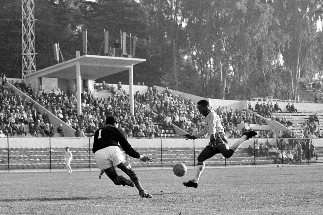 wchd-1962-brasile-messico-pele