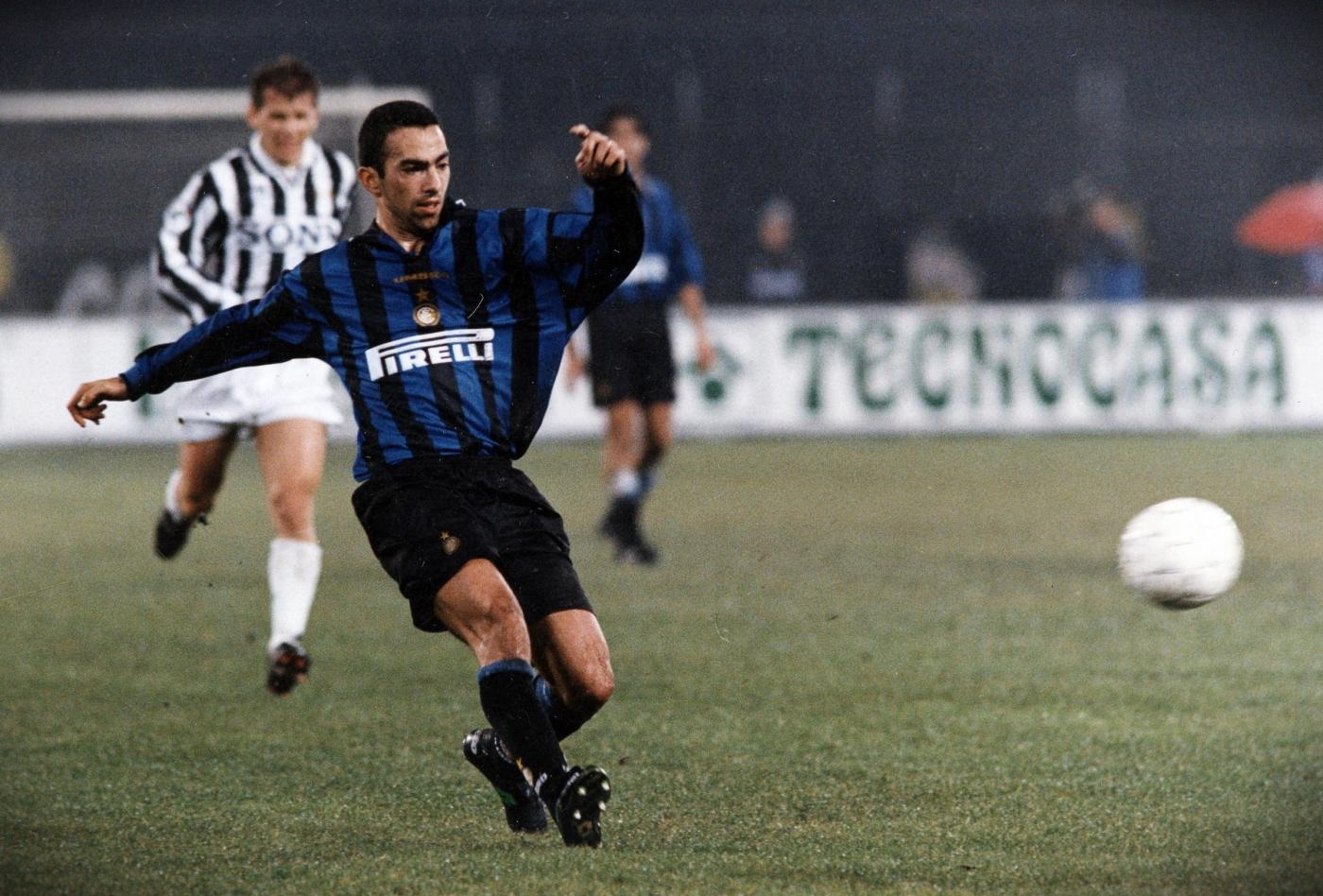 djorkaeff-youri-inter-wp