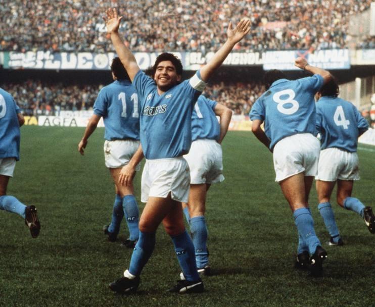 napoli-1989-90-maradona-wp