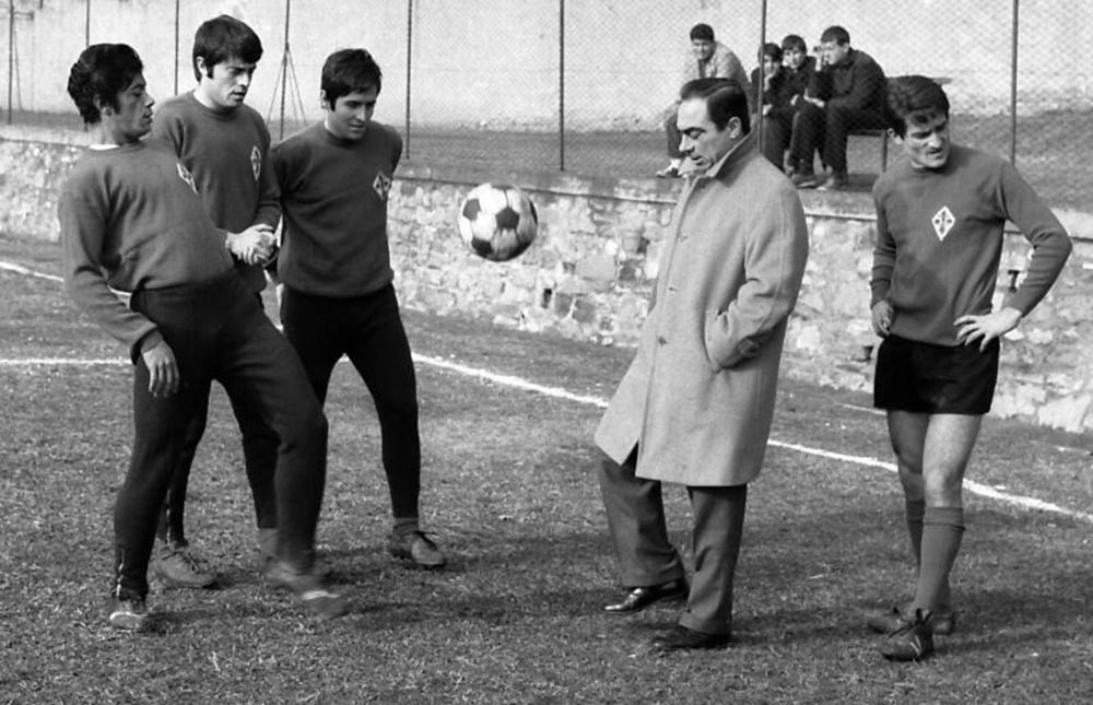 fiorentina-pesaola-scudetto-1968-69-wp