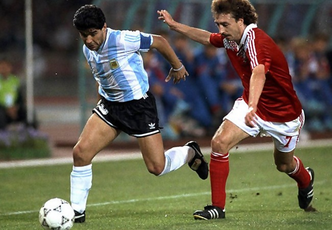 Argentina-URSS 2-0; Maradona e Aleinikov