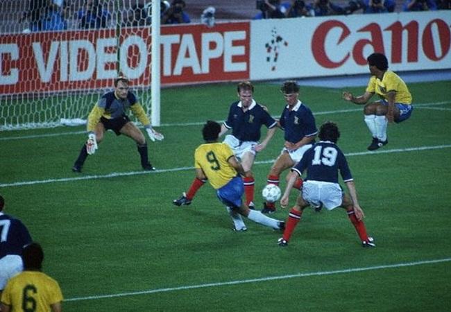 Brasile-Scozia 1-0; Careca tenta la rete