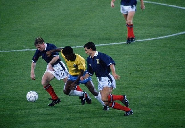 Brasile-Scozia 1-0; McKinnie, Valdo e McStay
